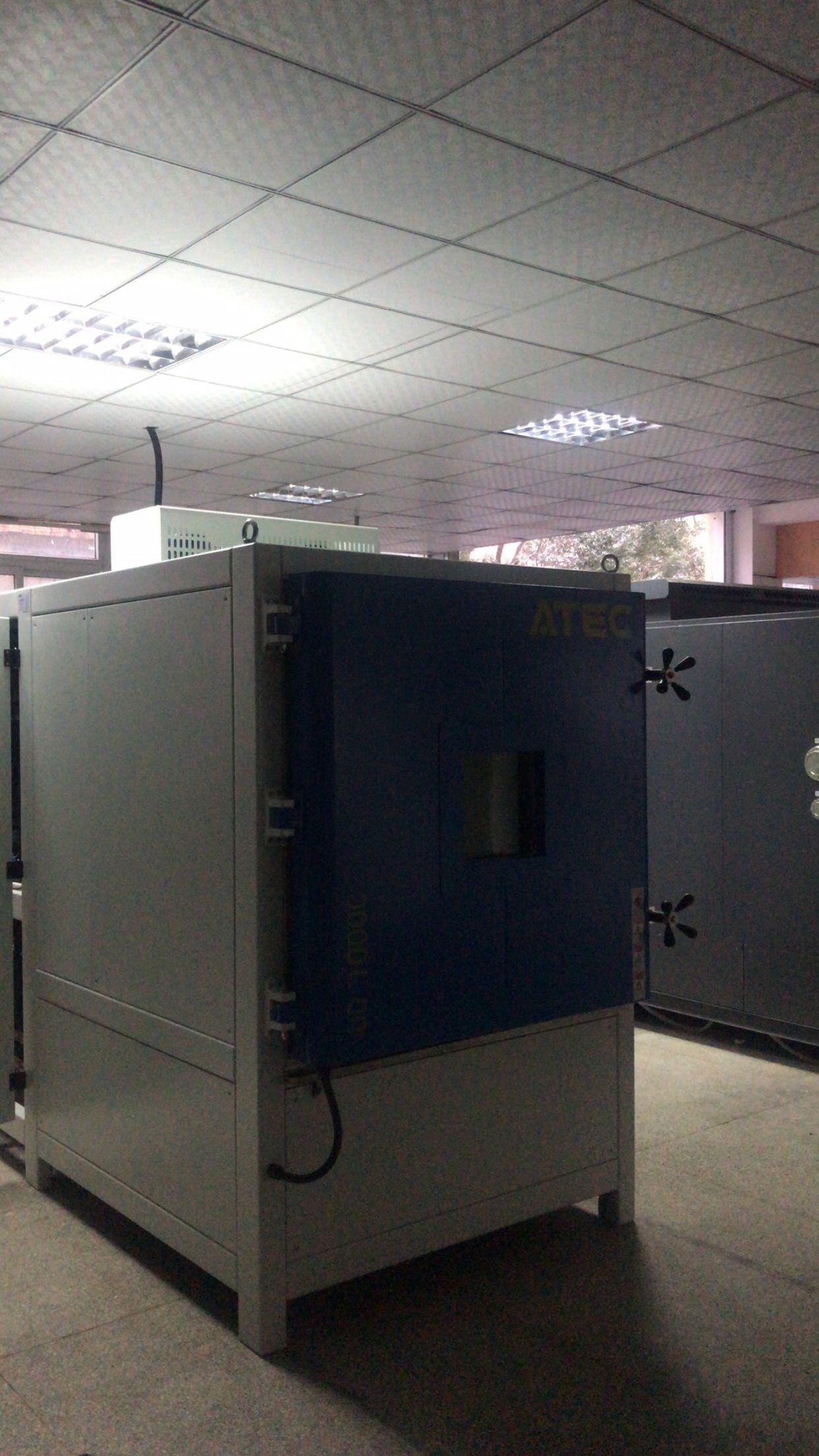 高低温低气压(湿热)环境试验箱